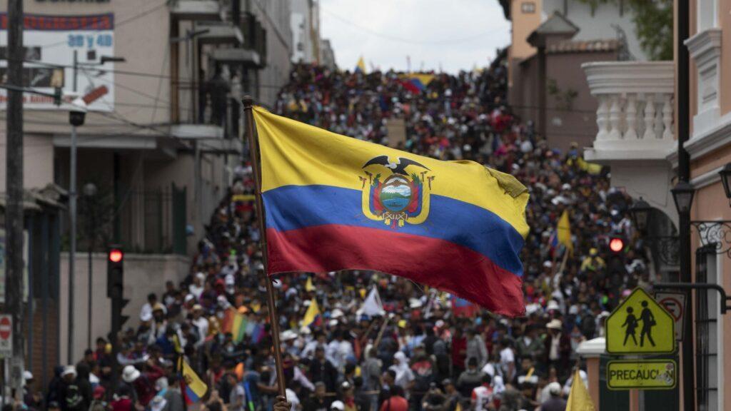 La variedad en la comida callejera resalta en Ecuador