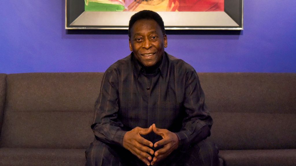 Three-time Brazilian world football champion Pele was hospitalized for medical tests at the Albert Einstein Hospital in Sao Paulo, which revealed a tumour. (Mary Turner/Halcyon Gallery/Getty Images)