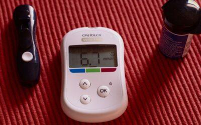 Nivel alto de azúcar en la sangre se relaciona con riesgo de COVID-19 grave